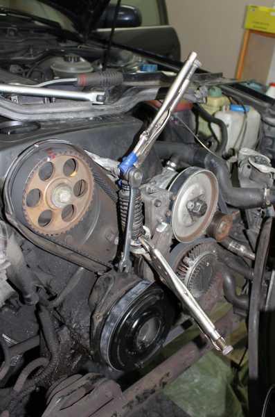 Audi a6 moniurahihnan kiristin